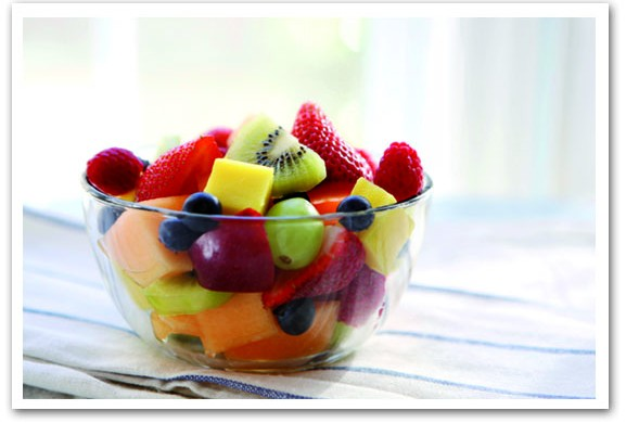 Fruit Salad with Strawberry and Lemon Sauce