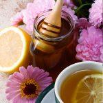 Acqua calda e succo di limone